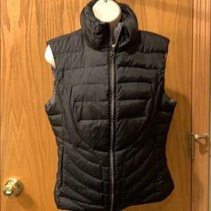 Blanc Noir Puffy Black vest size large